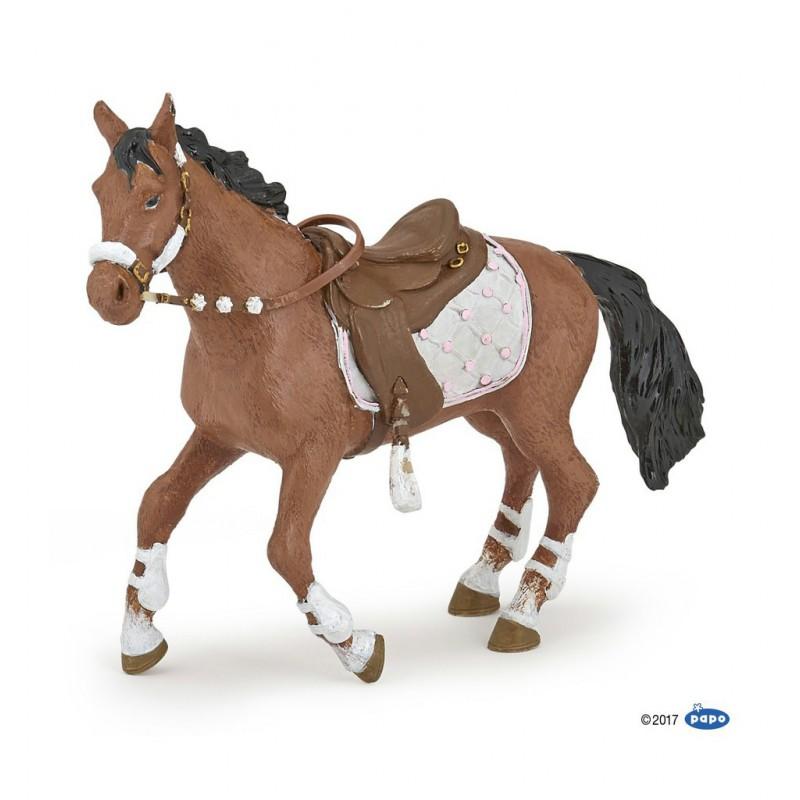 Papofigur Pferd zur Reiterin im Winteroutfit